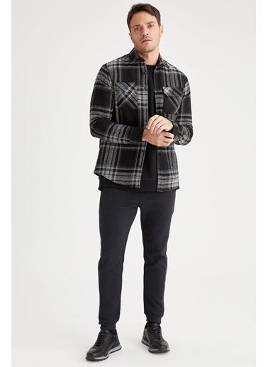 DeFacto Regular Fit Uzun Kollu Kareli Oduncu Gömlek Siyah